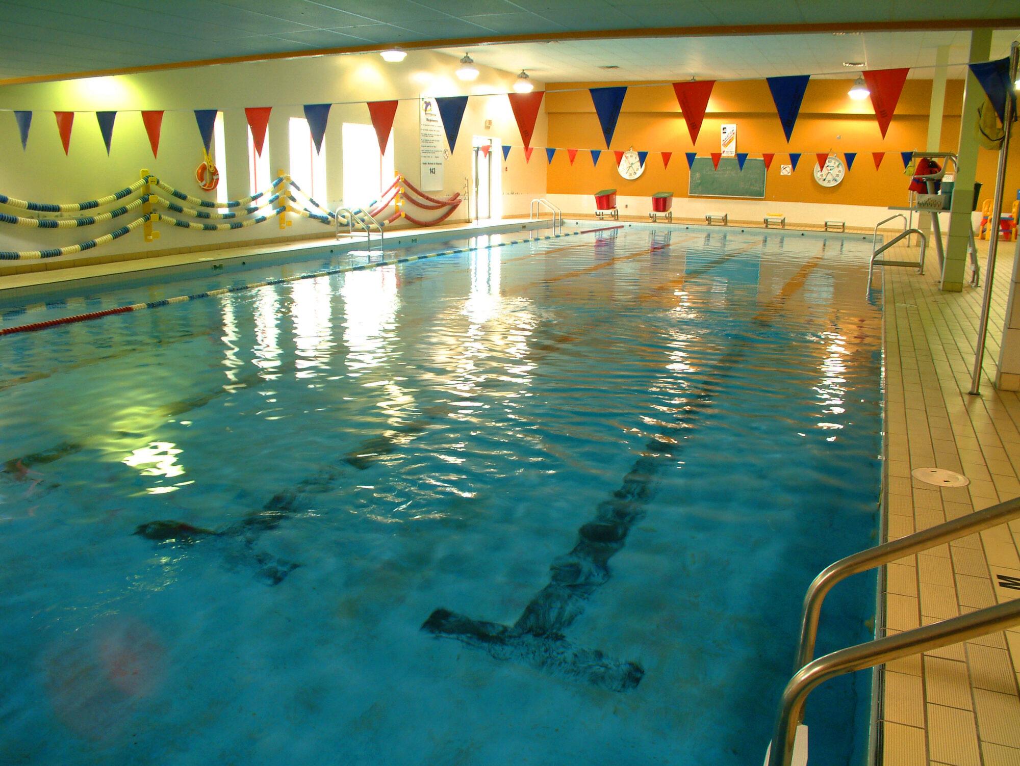 Image piscine intérieur